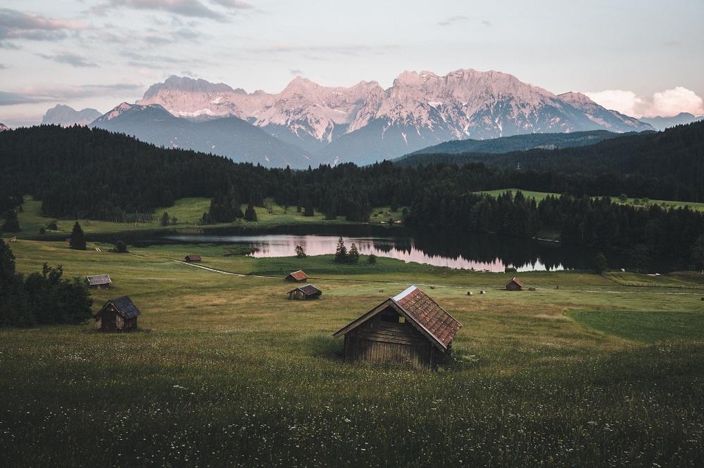 Razpisi planinske koče